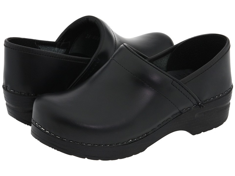 best shoes for nurses-clogs-with-thick-supportive-sole