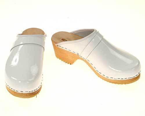 best shoes for nurses-white nurse clogs