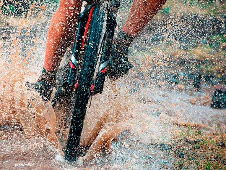 Best Mountain Bike Shoes-biking in rain and elements