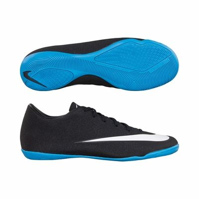 15. Nike Elastico Pro Ic Men's Soccer Shoe