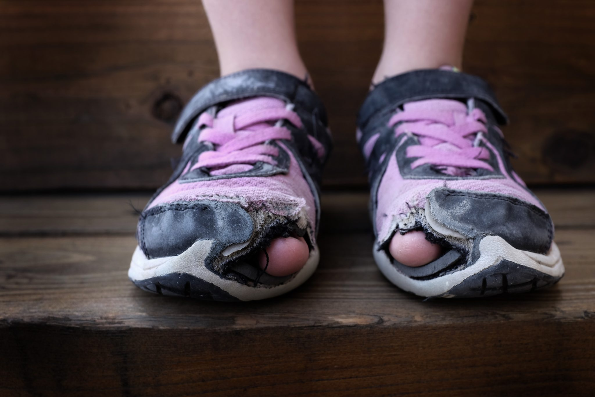 Best-Crossfit-Shoes-Durability-Damaged-Old-Shoe