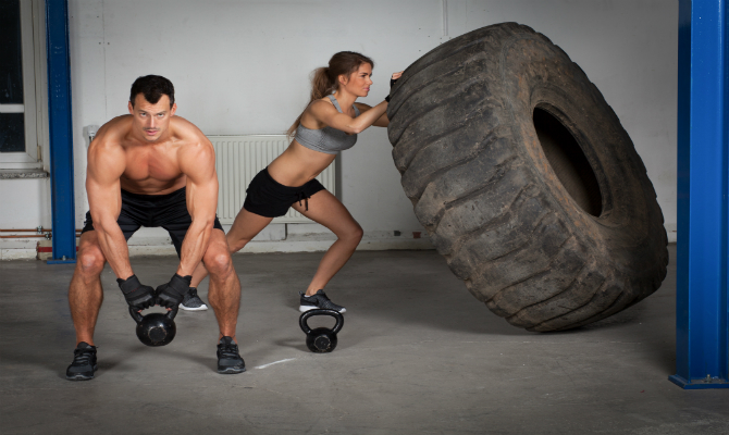 Best-Crossfit-Shoes-Traction-Man-and-Women-Lifting-Tire-Barbell