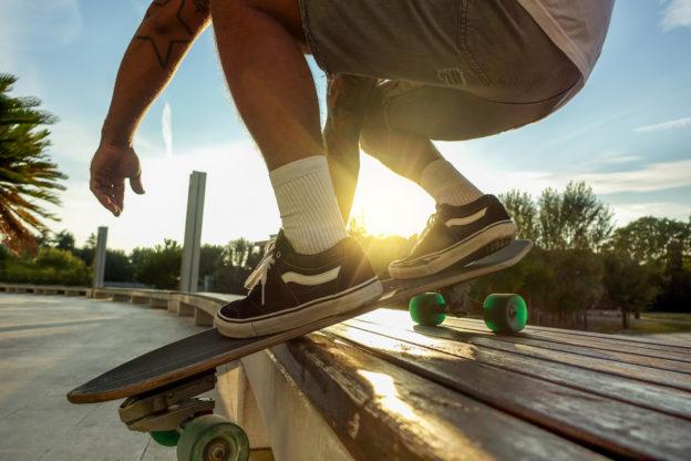 Best-Skate-Shoes-skater-balancing-on-skateboard