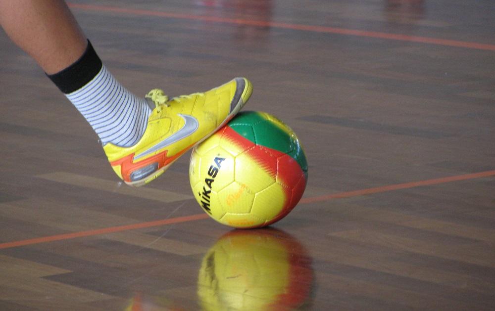 best-futsal-shoes-ball control