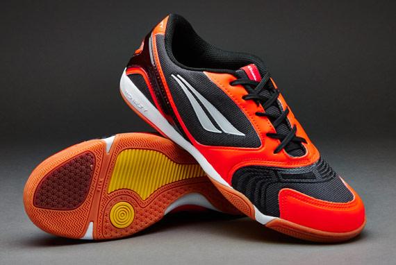 best-futsal-shoes-indoor-soccer-shoe pair