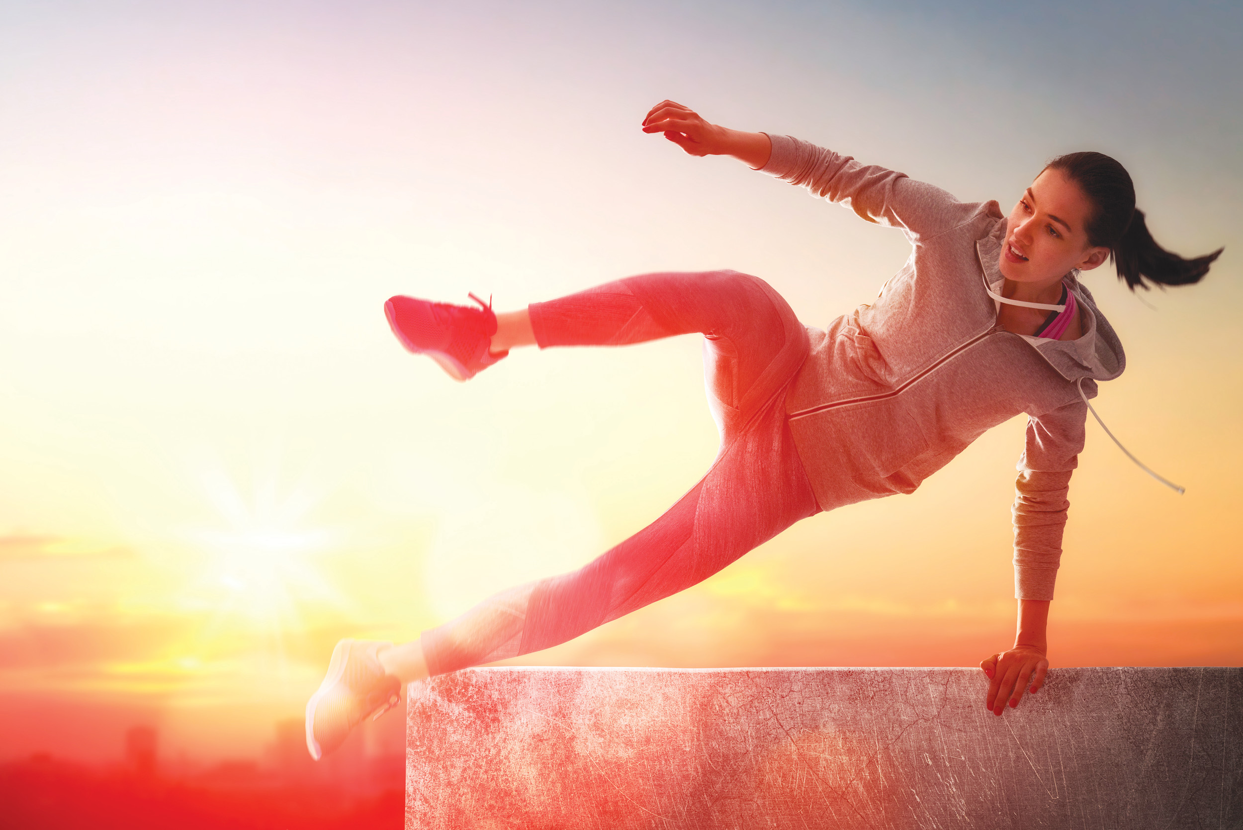 best-parkour-shoes-girl-jumping-wall