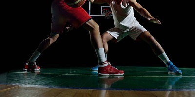 Best-Basketball-Shoes-two-Players-on-the-court