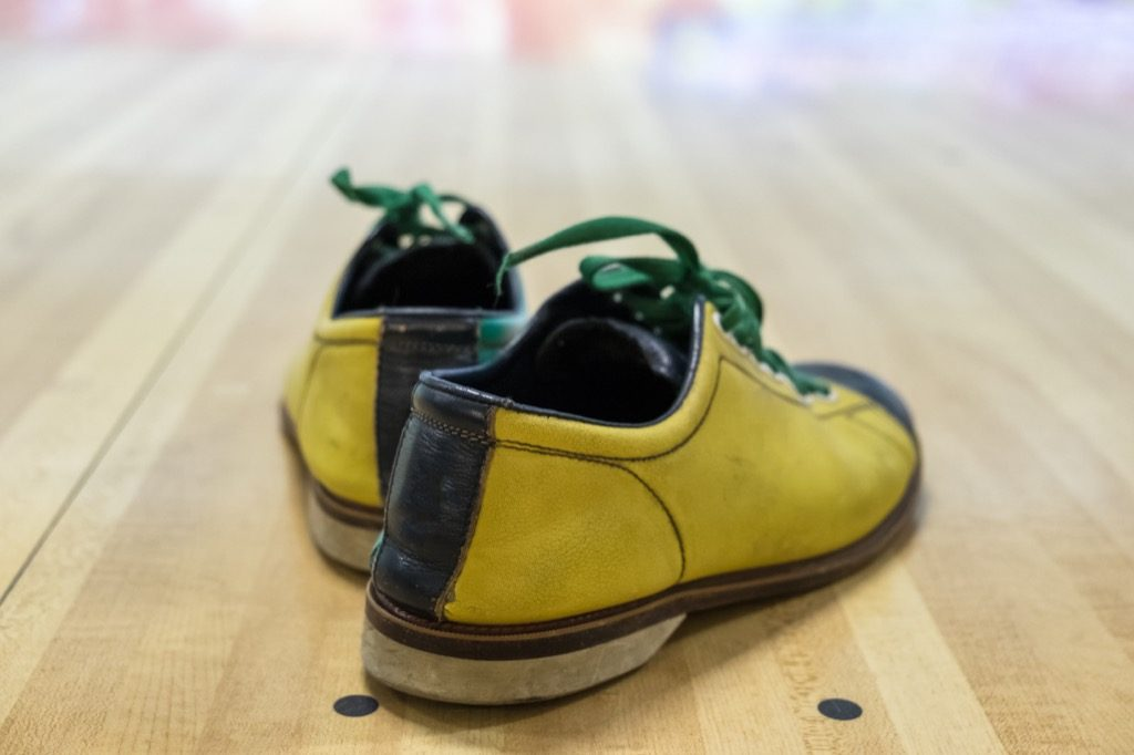 Best-Bowling-Shoes-yellow pair