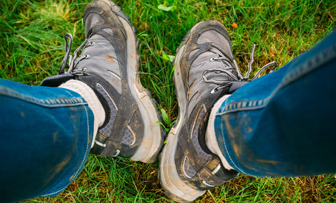 Best-Hiking-Shoes-dirty-leather-hiking-footwear