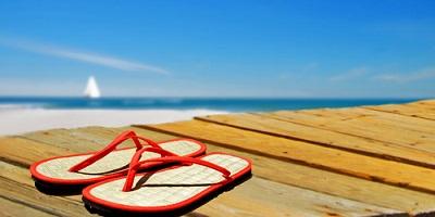on-deck-summer-beach-ocean-Best-Flip-Flops