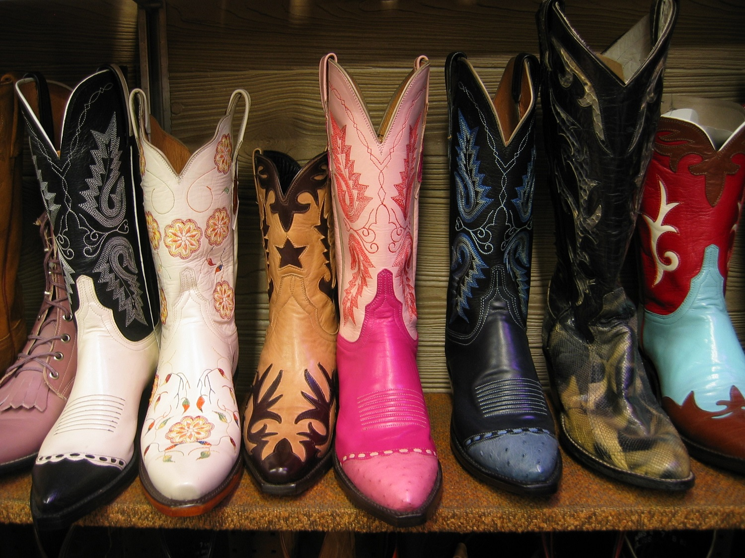 Best-Cowboy-Boots-colorful-boots