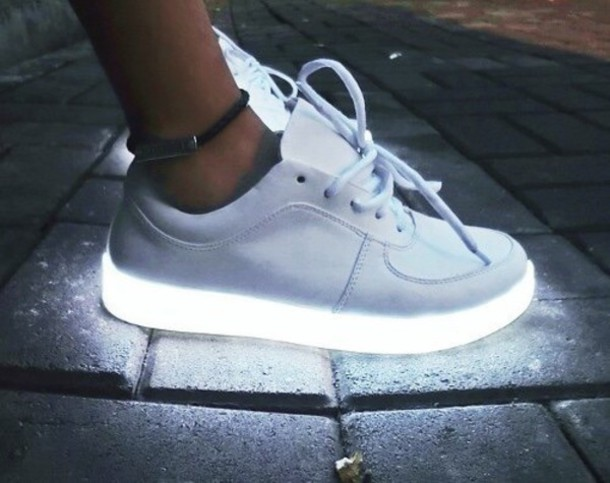 Best-shoes with lights-white shoes