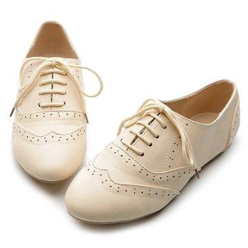 5. Ollio Women's Shoe Classic Lace Up Dress Low Flat Heel Oxford