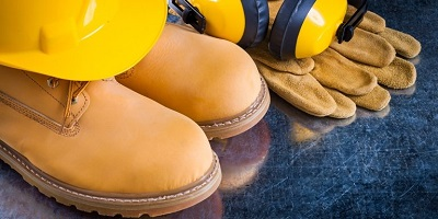 Best-Work-Boots-construction-worker-outfit-hard-hat-gear