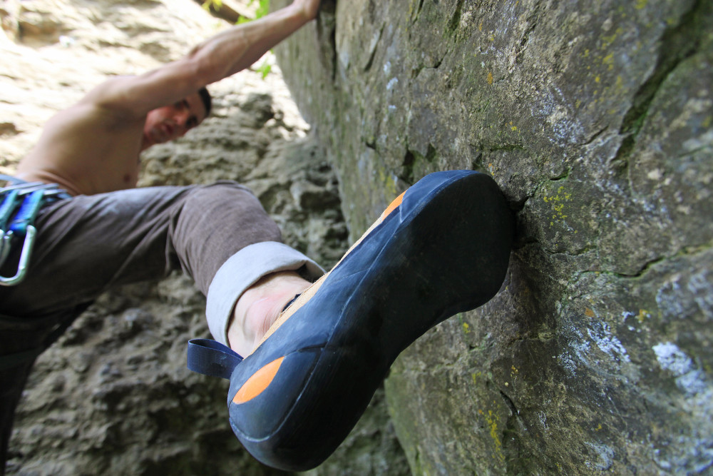 Best-Climbing-Shoes-man climber rock