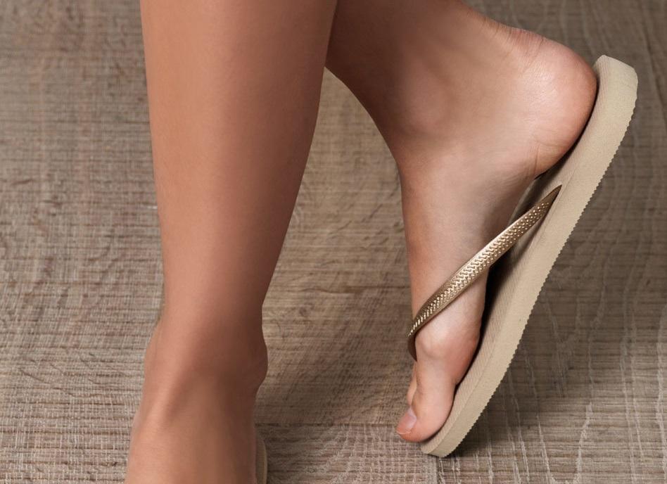 Best Havaianas-Slippers-womans feet