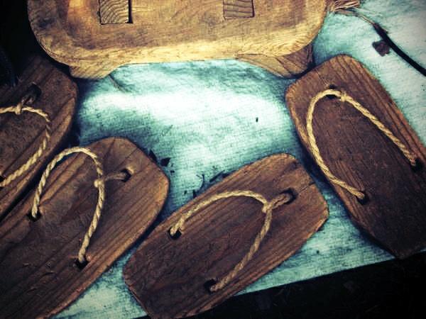 Best Havaianas-Slippers-wooden sandals