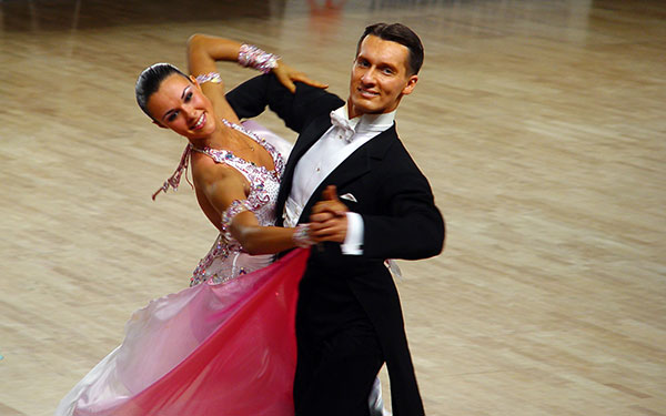 Men-Woman-Best-Ballroom-Dance-Shoes