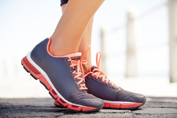 how-do-you-choose-the-best-running-shoe-337109531-oct-15-2012-1-600x400