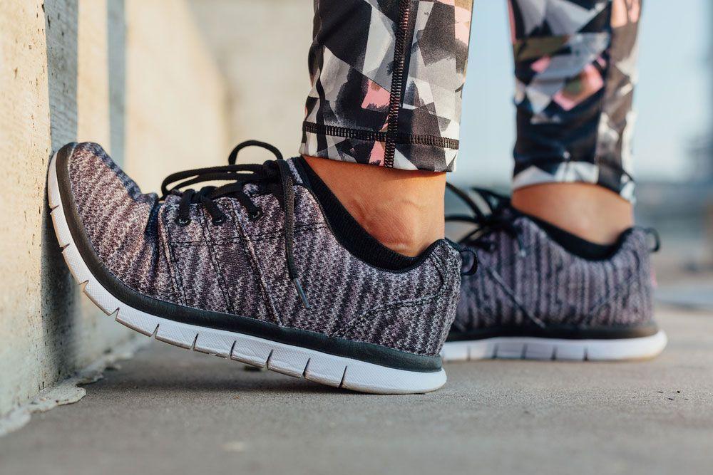 best running shoes flexible running shoes flex grooves