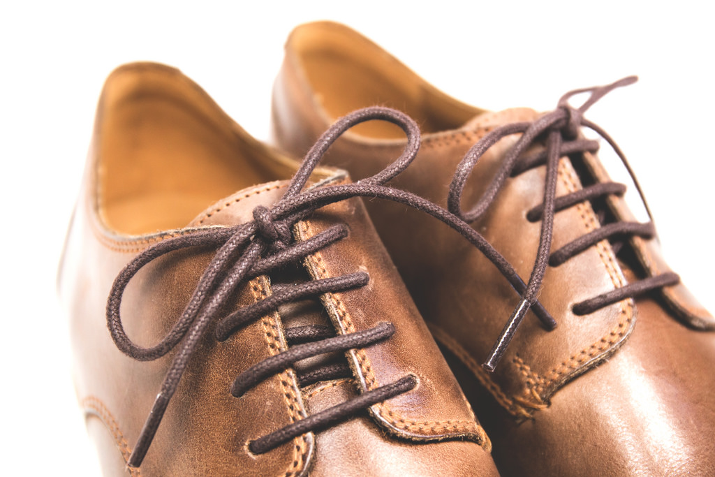 How to lace your shoes-Straight Laces