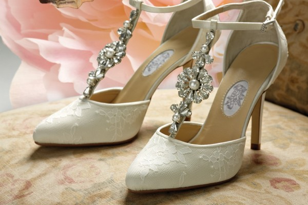 An in depth review plus pros and cons of the best bridal shoes of 2017
