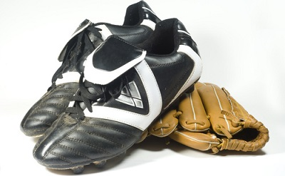 Best-Baseball-Cleats-pair-with-glove