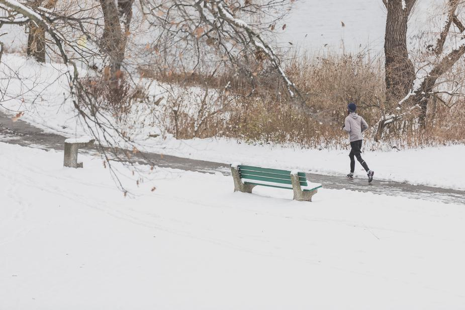 Jogging-in-snow-Best-Jogging-Shoes