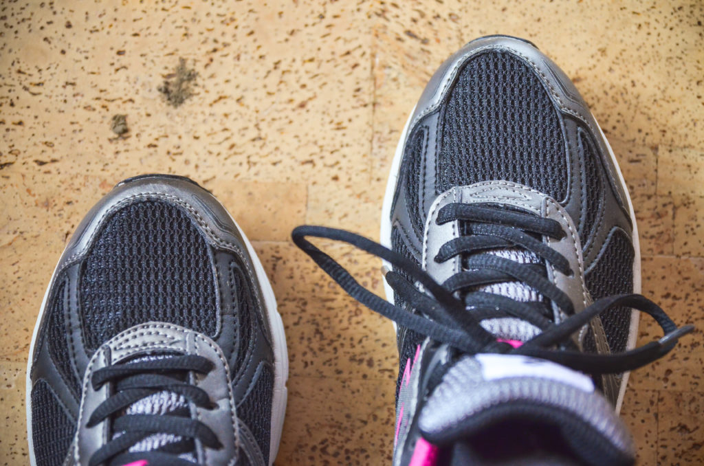 Temperature-Regulating-Best-Jogging-Shoes