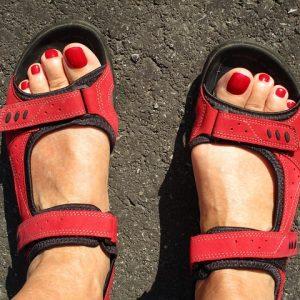 hiking-sandals-2