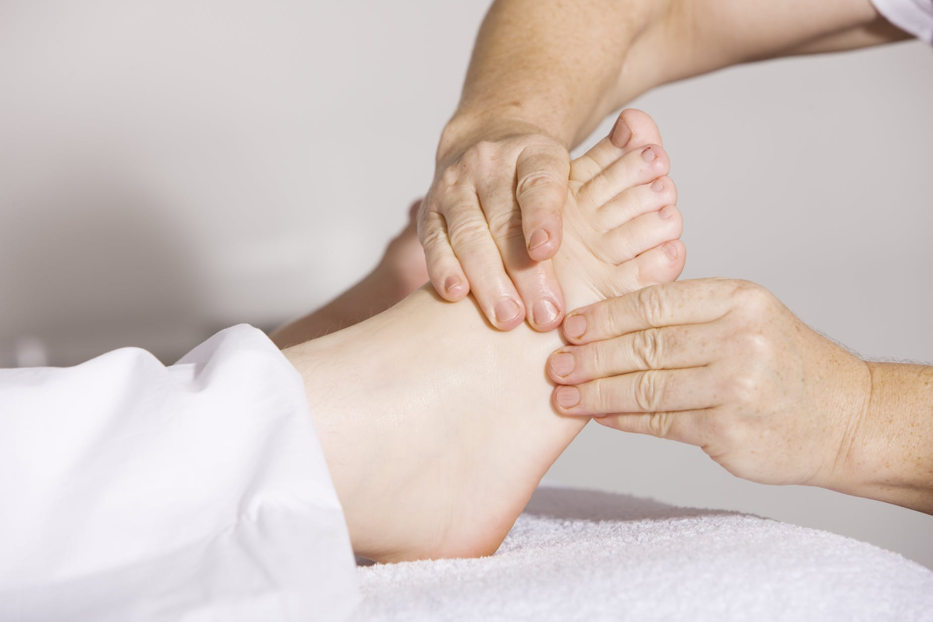 Foot reflexology massage treatment for feet guide in 2018 foot reflexology massage treatment for feet guide in 2018 nicershoes xflitez Image collections