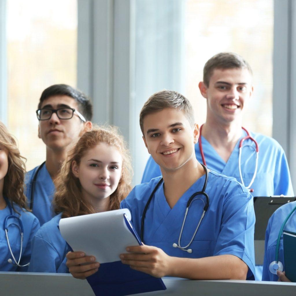 Nurses-In-Scrubs-Best-Shoes-For-Nurses