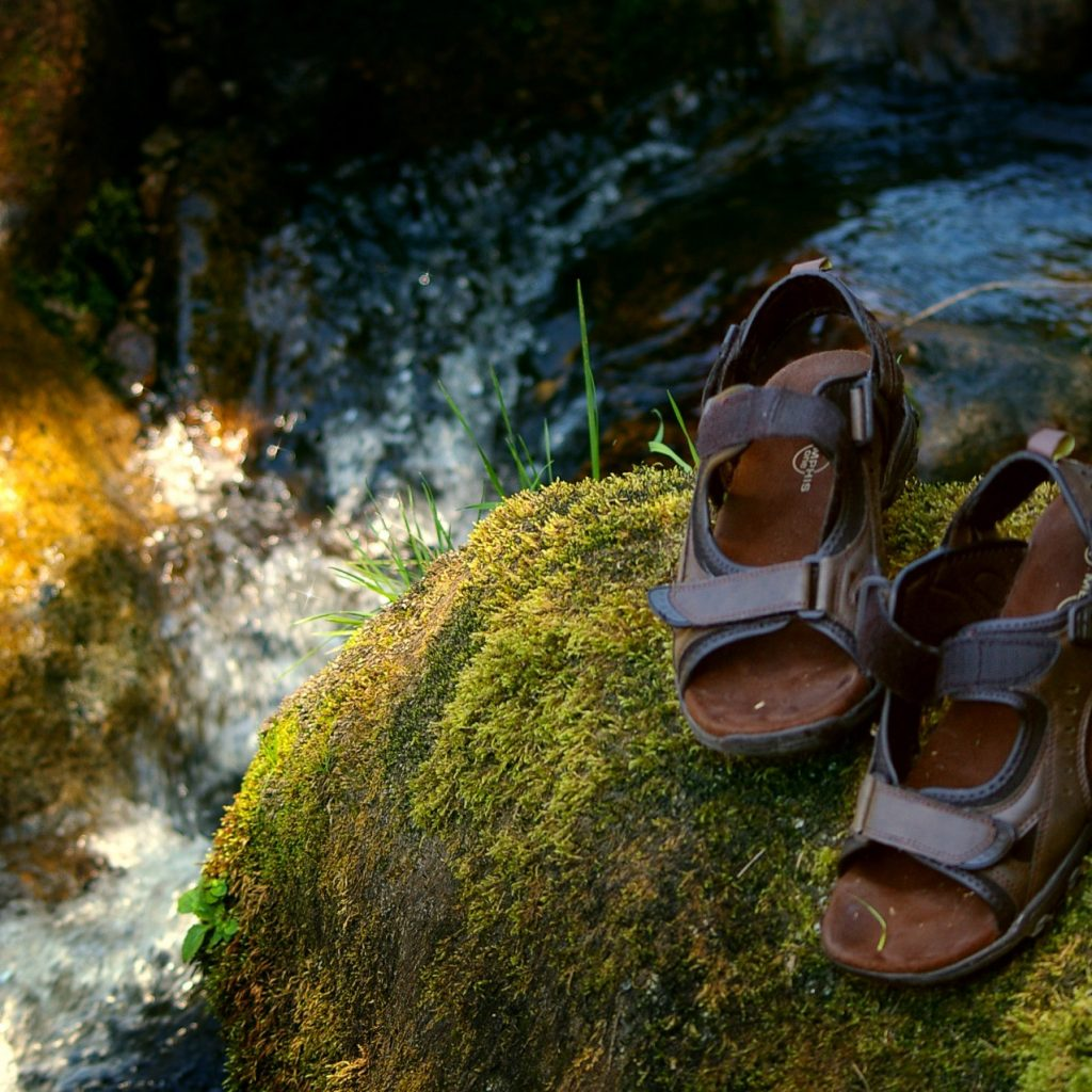 Sandals-and-Water-Best-Sandals-For-Runners