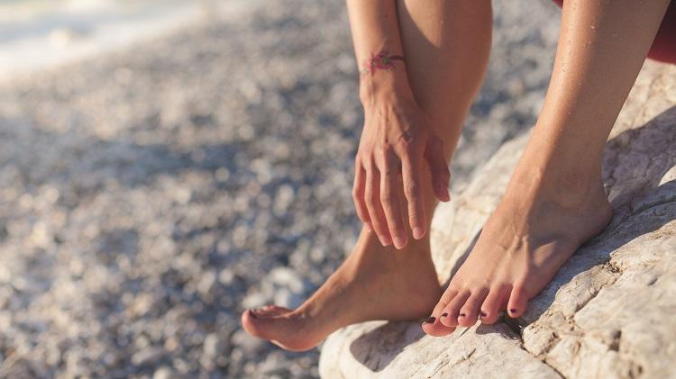 Bare-Feet-On-Rocks-Best-Athletes-Foot-Sprays