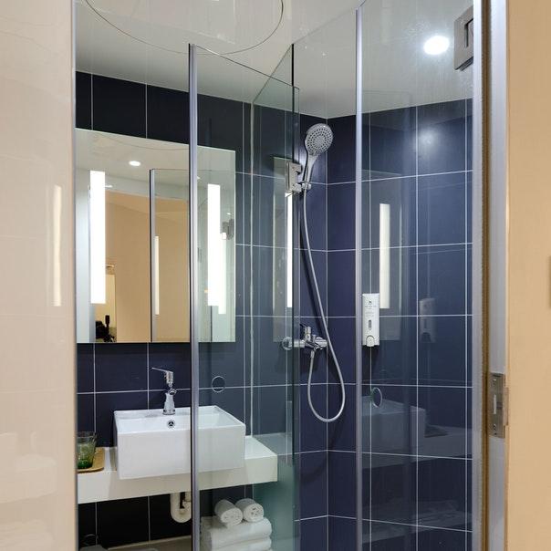 Bathrooom-Shower-Best-Shower-Shoes
