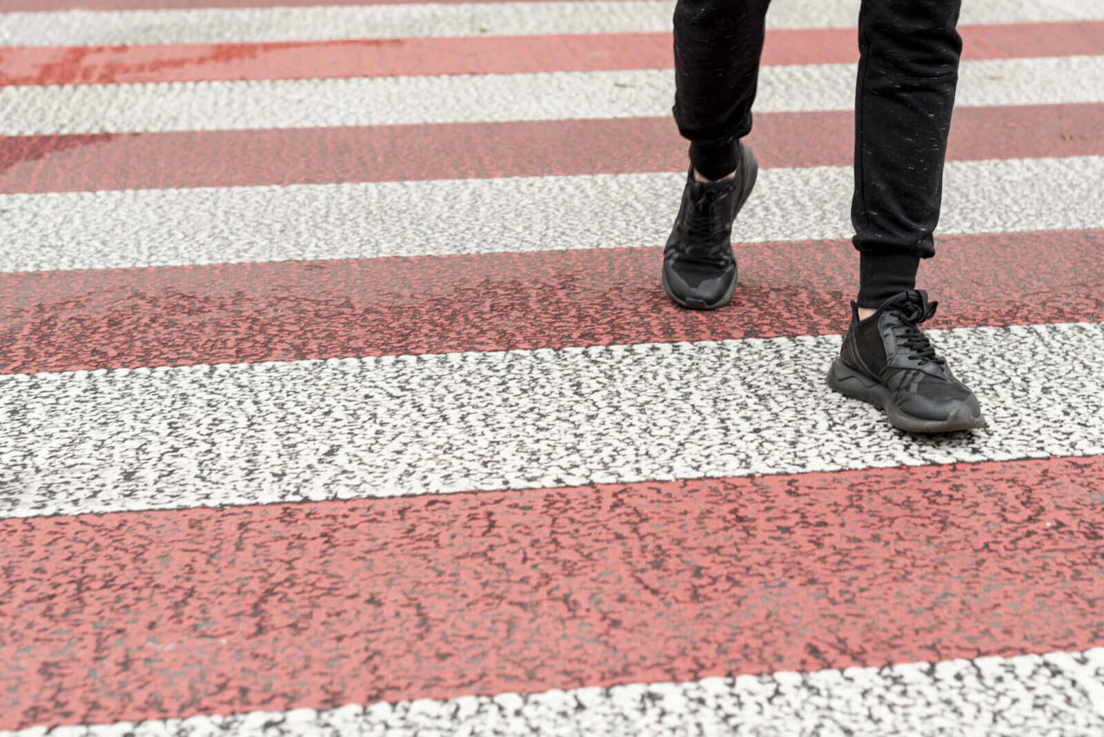 walking vs running shoes photo image