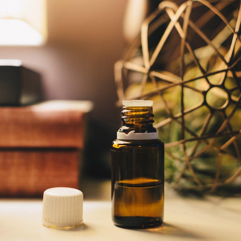 Bloating_Essential Oils
