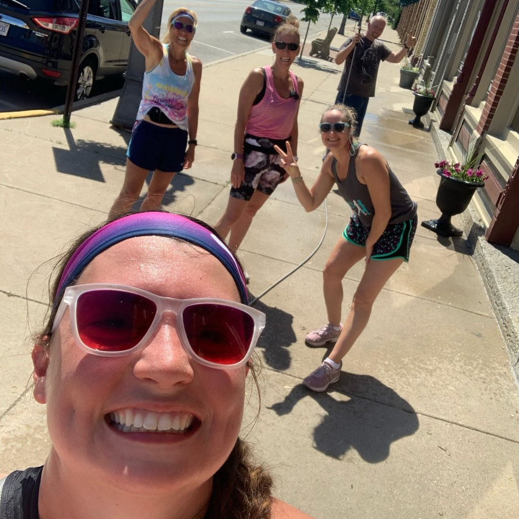 runners running in the heat