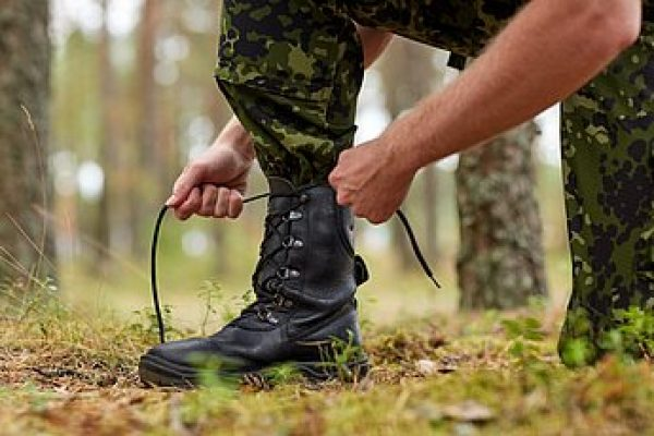 Best Tactical Boots for Men Reviewed & Compared