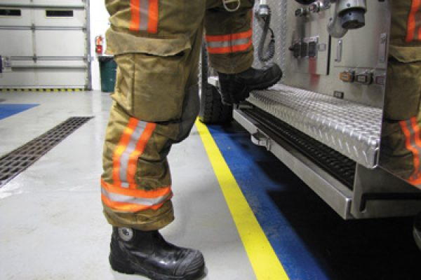Best Firefighter Boots for Men Reviewed & Rated