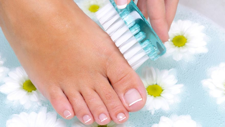 How to Keep Your Toenails Healthy: Best Practices