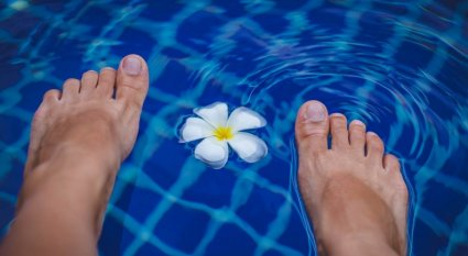 An in depth guide on How to Remedy Dry & Cracked Skin on Feet in 2018