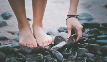 What Causes Flat Feet and What to Do if you Suffer from it