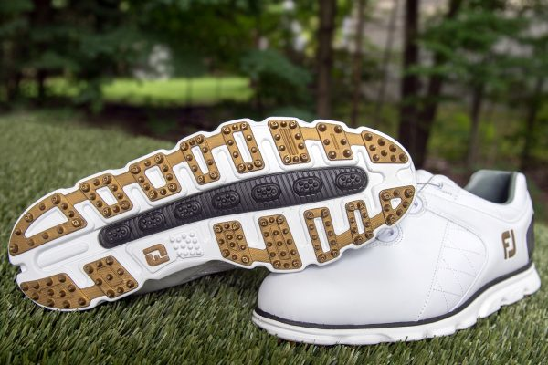 An in depth review of the best spikeless golf shoes of 2017