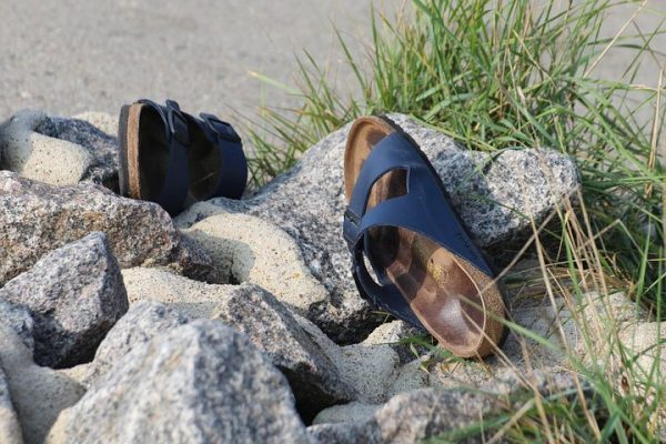 Best Sandals for Men & Women Reviewed for Comfort